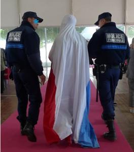Francia: multe politicamente scorrette e patrioti in burqa